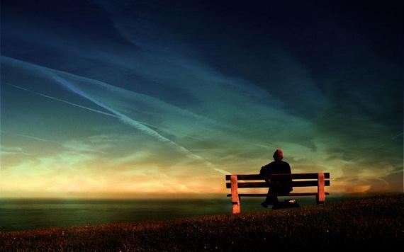 Homem olhando o belo céu