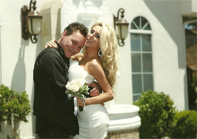 Courtney Stodden e Doug Hutchison casados